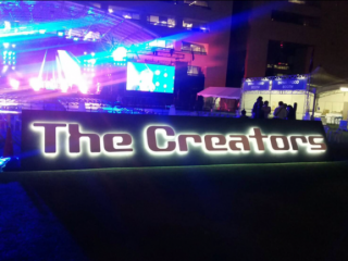 The Creaters LEDバックライト施工