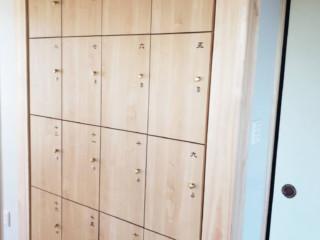 ロッカー番号サイン・木製ロッカーキー&トイレ室名サイン レーザー彫刻 製作施工(麟翁寺様)